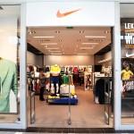 Adidas/Nike